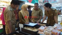 Tim Gabungan Sidak Pangan di Swalayan MBK