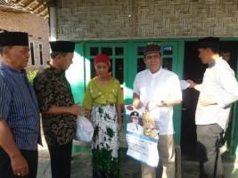 Tim I  Safari Ramadan Pemkab Lamsel Bagikan Sembako untuk Warga Campangtiga