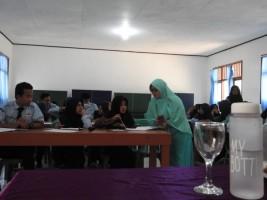 Tim Literasi SMAN 2 Liwa Hadirkan Komunitas Sastra Untuk Bedah Puisi
