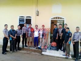 Tim PPRI Bersihkan Musala Baiturrohman di Desa Kebagusan