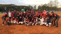 Tim Sofbol Putra-Putri Lampung Kompak Menang