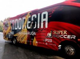 Timnas Sepak Bola Indonesia Dapat Dua Bus Baru