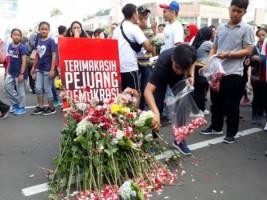 TKN Milenial Gelar Doa dan Tabur Bunga untuk Pejuang Demokrasi