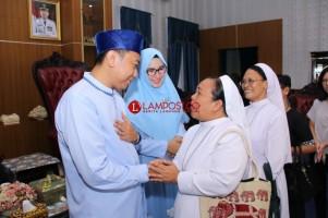 Tokoh Agama Ikut Open House di Rumah Bupati Agung