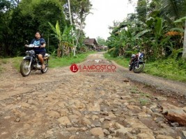 Tol Rampung, Masyarakat Penengahan Harapkan Perbaikan Jalan