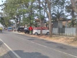 Trotoar Jadi Lahan Parkir di Keluhkan Warga Kotabumi
