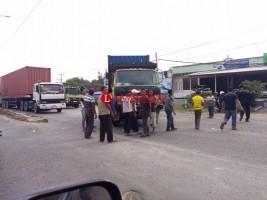 Truk Mogok di Perempatan Sukarame, By Pass Macet