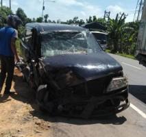 Truk Pecah Ban Sebabkan Kecelakaan Beruntun di Jalinsum