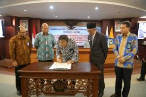 Unila Komitemen Bangun Organisasi Bersih