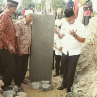 Wabup Pringsewu Letakkan Batu Pertama Pembangunan Masjid Al-Furqon di Pekon Wonodadi