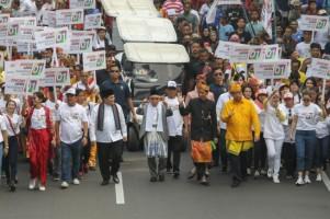 Wah! Deklarasi Damai, Jokowi Kenakan Pakaian Bali, Prabowo adat Jawa
