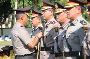 Wakapolres dan Sejumlah Pejabat Polres Lambar Diganti