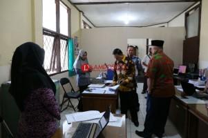 Wakil Bupati Lambar Tegur Puluhan Pegawai Bolos