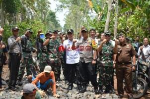 Wakil Bupati Lamtim Buka Karya Bakti HUT ke-73 TNI