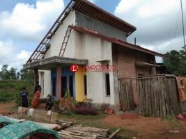 Warga Dayamurnia Perbaiki Rumah yang Rusak