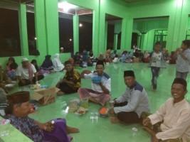 Warga Dusun Banyumas PeringatiNuzulul Quran