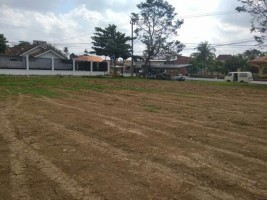 Warga Hadimulyo KecewaLapangan Kelurahan Gersang usai di Buldoser