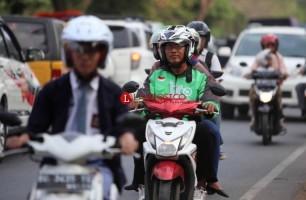 Warga Keluhkan Kemacetan yang Disebabkan Oknum Taksi Online
