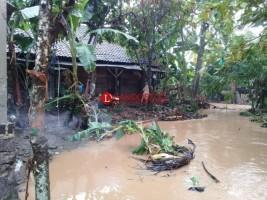 Warga Korban Banjir di Lamsel Sudah Ditangani