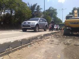 Warga Minta Pekerjaan Jalan Beton di Bypass Dipercepat