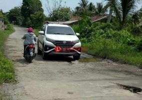 Warga Pesisir Minta Pemprov Perbaiki Jalan Lingkar