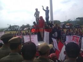 Warga Tanjung Rejo Kembali Demo Tuntut Kadesnya Dipecat