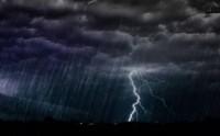 Waspada Hujan Lebat Disertai Petir dan Angin Kencang di 3 Wilayah Ini
