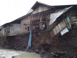 Way Punduh Meluap Belasan Rumah Terendam Banjir
