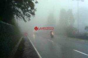 Wilayah Lampung Bagian Barat Berpotensi Hujan Disertai Petir dan Angin Kencang
