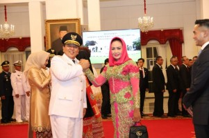 Winarti Hadiri Pelantikan Gubernur-Wakil Gubernur Lampung
