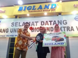 Wisudawati Unila Menangi Undian Mobil Undian Bigland
