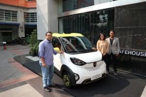Wuling Boyong E100 dan E200 di Indonesia Electric Motors Show 2019