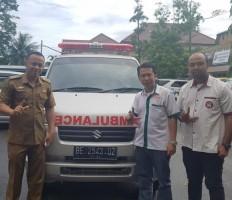 Yayasan Peduli Generasi Lampung Terima Hibah Ambulance dari Gubernur