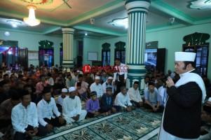 Zainudin Lanjutkan Safari Ramadan di Kecamatan Sragi