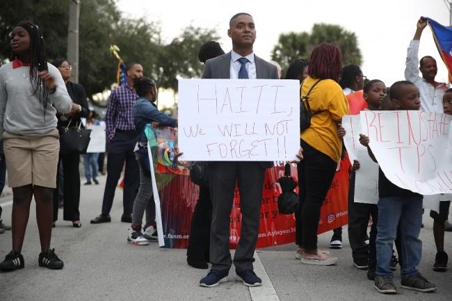 LAMPUNG POST | Dihina, Negara Afrika Demo Tuntut Permintaan Maaf Trump