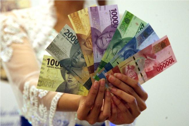 LAMPUNG POST | Rupiah Dibuka Melemah Tipis ke Rp13.327/USD