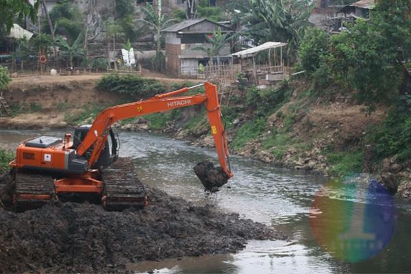 LAMPUNG POST | Warga Bandar Lampung Tagih Janji Pengerukan Sungai