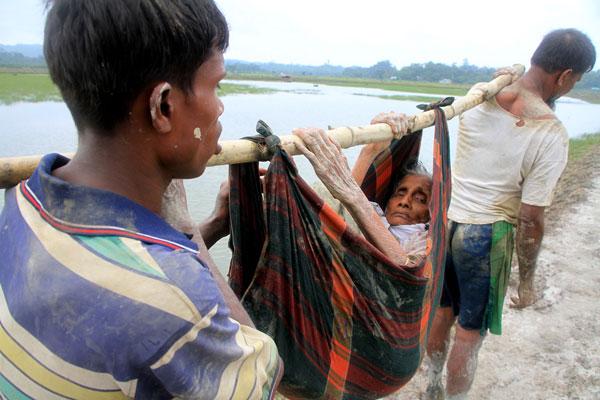 LAMPUNG POST   Lampung Berempati pada Muslim Rohingya