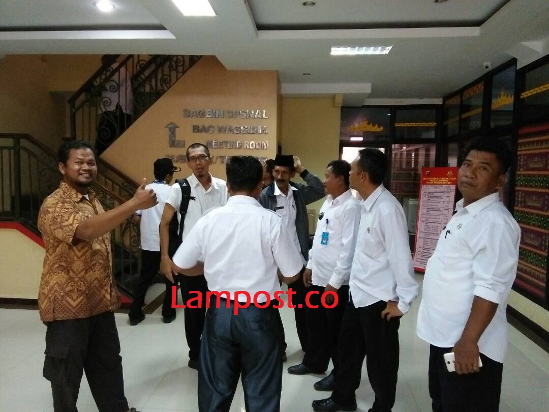LAMPUNG POST | Terkait BLBI, 8 Kepala Kampung di Tuba Diperiksa KPK Sebagai Saksi