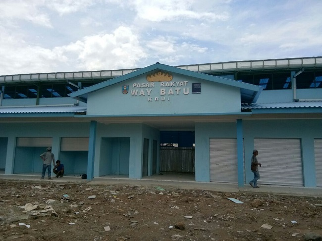 Pembangunan Dua Pasar di Pesisir Barat Rampung