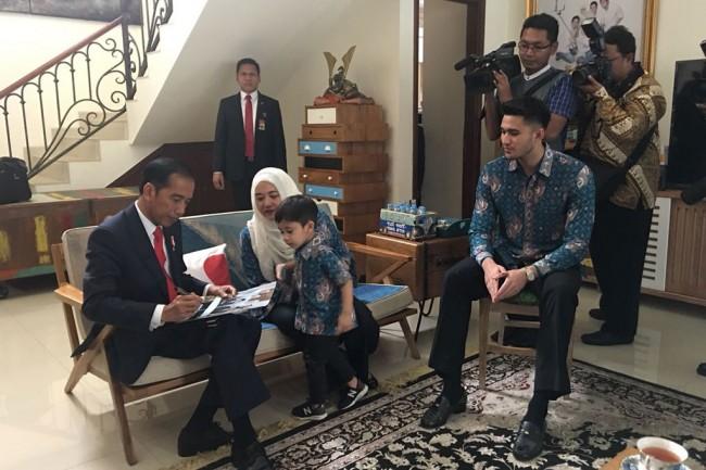 Jokowi Sambangi Kediaman Almarhum Sys Ns