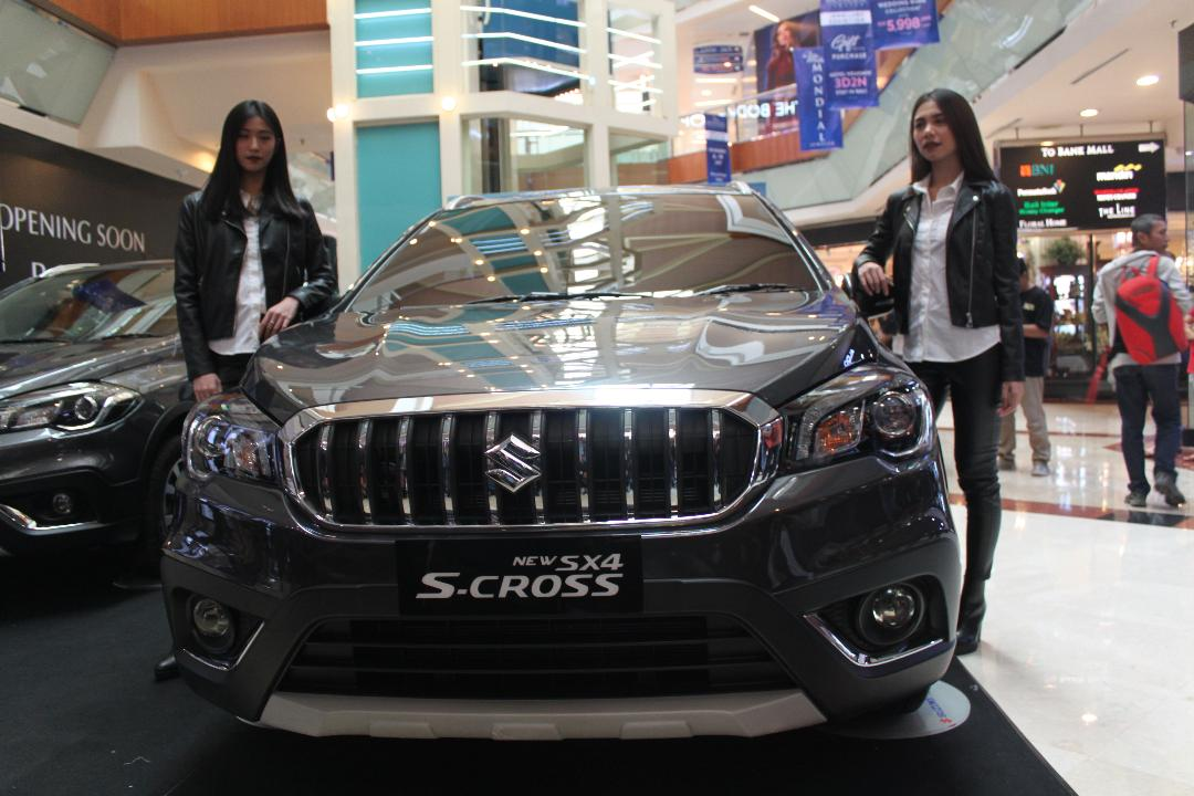 LAMPUNG POST | Beli Suzuki New Sx4 S-Cross Dapat Samsung J7