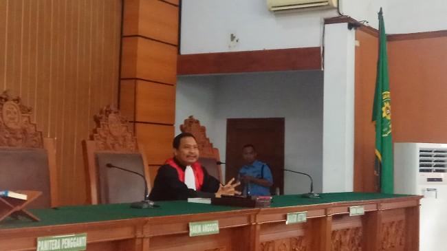 LAMPUNG POST | Hakim Menilai Penetapan Novanto sebagai Tersangka Sah