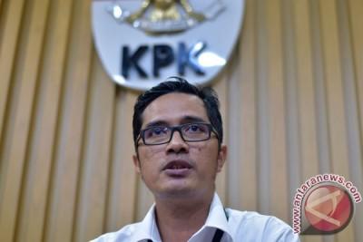 LAMPUNG POST | KPK Tetapkan Ketua Pengadilan Tinggi Sulsel dan Anggota DPR Fraksi GolkarTersangka Korupsi