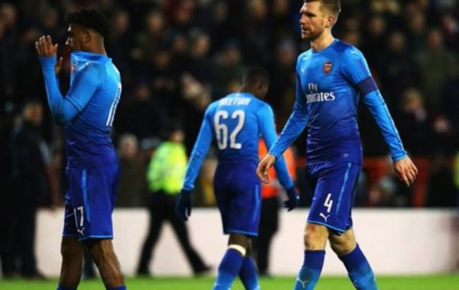 Nottingham Permak Arsenal 4-2