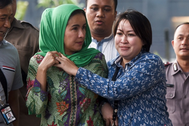 LAMPUNG POST   Fee Proyek Diberikan Melalui Istri Gubernur Bengkulu