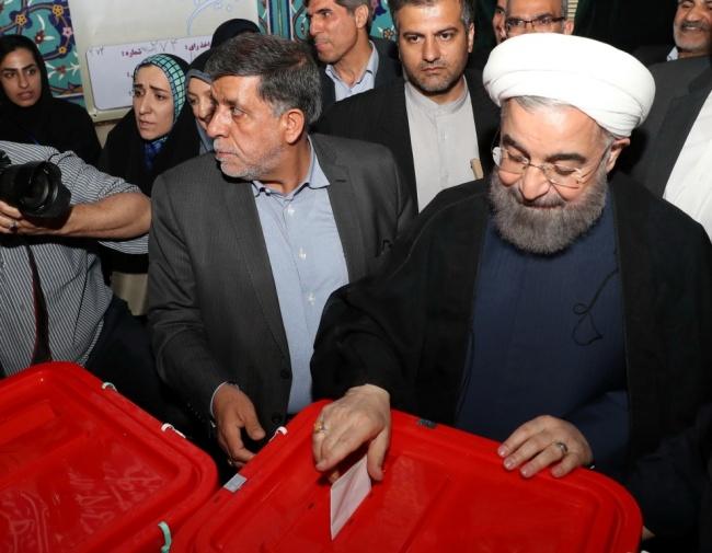 LAMPUNG POST | Rouhani Memimpin Jauh dalam Pertarungan Pilpres Iran