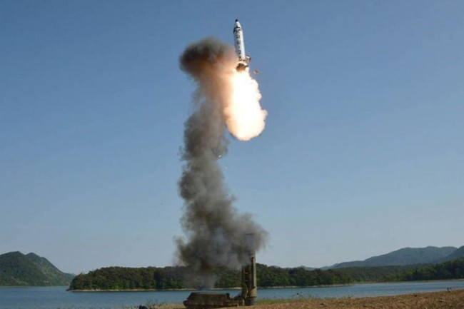 LAMPUNG POST | Berulah Lagi, Korut Kembali Tembakkan Rudal ke Utara Jepang