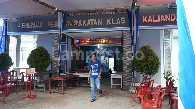 LAMPUNG POST | 163 Warga Binaan LP Kalianda dapat Remisi, 4 Bebas