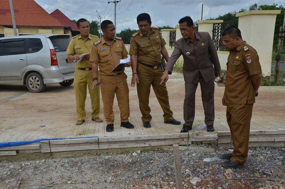 LAMPUNG POST | Atasi Infrastruktur, 12 Km Jalan Mesuji Dirigid Beton